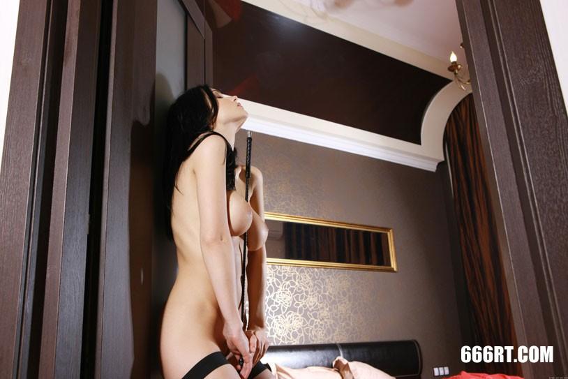 美得让人心颤的裸模Jenya黑丝人体-2