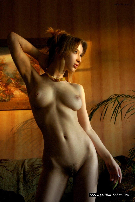 棚拍绝品法国超模Anna的魔鬼身材