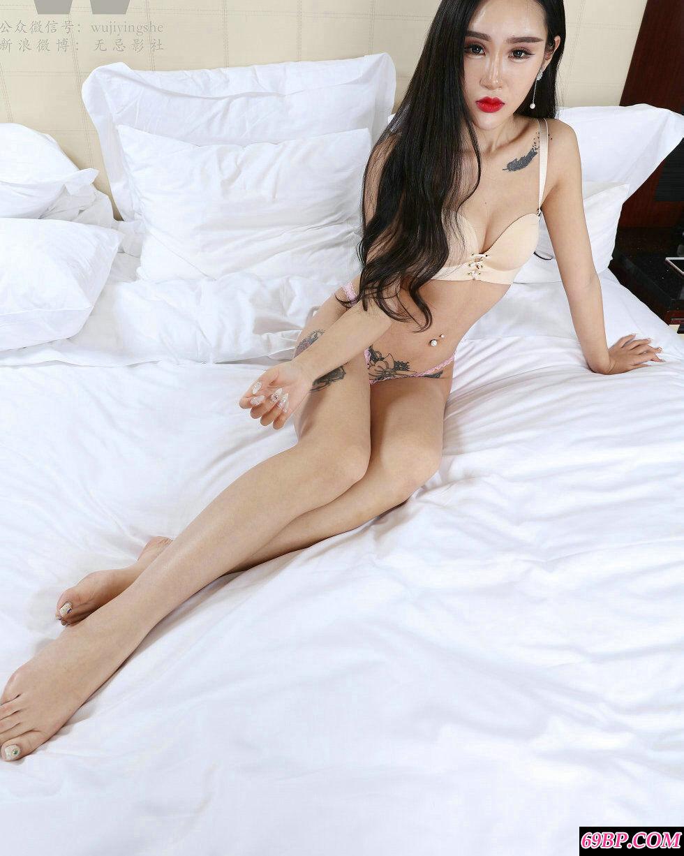 网红名人-纹身女郎杨欣私密大胆人体