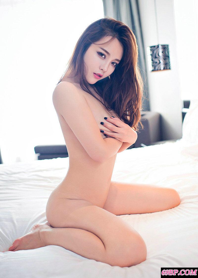 狐媚女王珍妮花室拍妖娆泳装艺术照